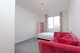 LOVELY ENSUITE DOUBLE ROOM IN BRAND NEW FLAT# CANADA WATER