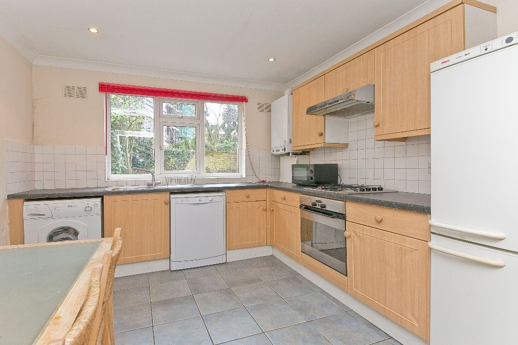 HUGE 2 Bedroom, 2 Bathroom flat with massive Private Garden! Kentish Town/Tufnell Park close to stn
