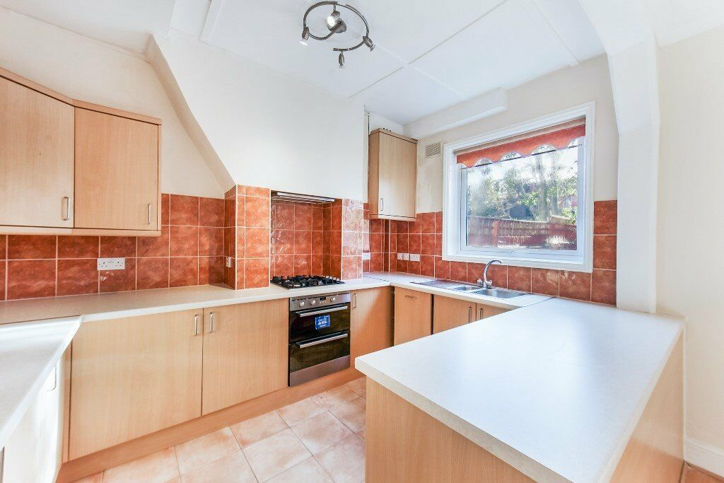 Newly Refurbished Four Bedroom Period House Within Walking Distance Of Tooting BR Station - SW17