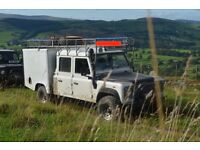 Man with 4x4 and trailer for green recycling or soil, rubble, clean building or garden waste 24/7