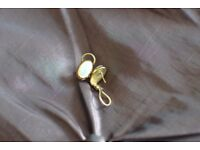 9 Carat yellow gold Pearly Earrings
