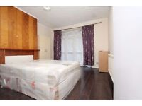 Whitechapel 3 Double rooms Available for couple or friends
