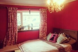 Beautiful cottage feel double bedroom in family home to rent