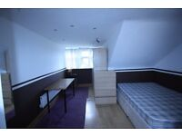 Neasden - Spacious Large Studio Flat Available. , 5 min walk to Tube station Jubilee Line