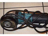 The Makita GA4541C/2 110v 125mm Angle Grinder is a a 1400w