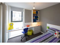 Bright and clean en-suite room available in an excellent West End location