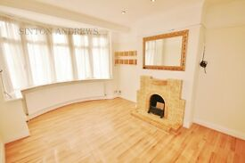 3 bedroom house in Medway Drive, Perivale, UB6