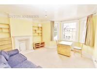 2 bedroom flat in Leighton Road, Ealing, W13
