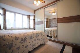 HUGE FOUR DOUBLE BEDROOM & TWO BATHROOM LUXURY HOUSE NEAR HOUNSLOW CRANFORD HEATHROW HESTON FELTHAM