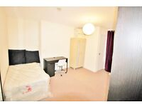 Clifton Redland Luxury Large Bedsit / Studio £115pw own kitchen,shared shower opposite The Lido pool