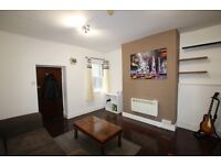 FINSBURY PARK / MANOR HOUSE - GLOUCESTER DRIVE, SPACIOUS ONE BEDROOM GARDEN FLAT NEAR TUBE & SHOPS