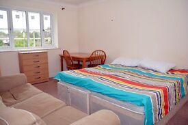 J DOUBLE ROOM IN TUFNEL PARK / NORTH LONDON / ZONE 2 / £210 PER WEEK