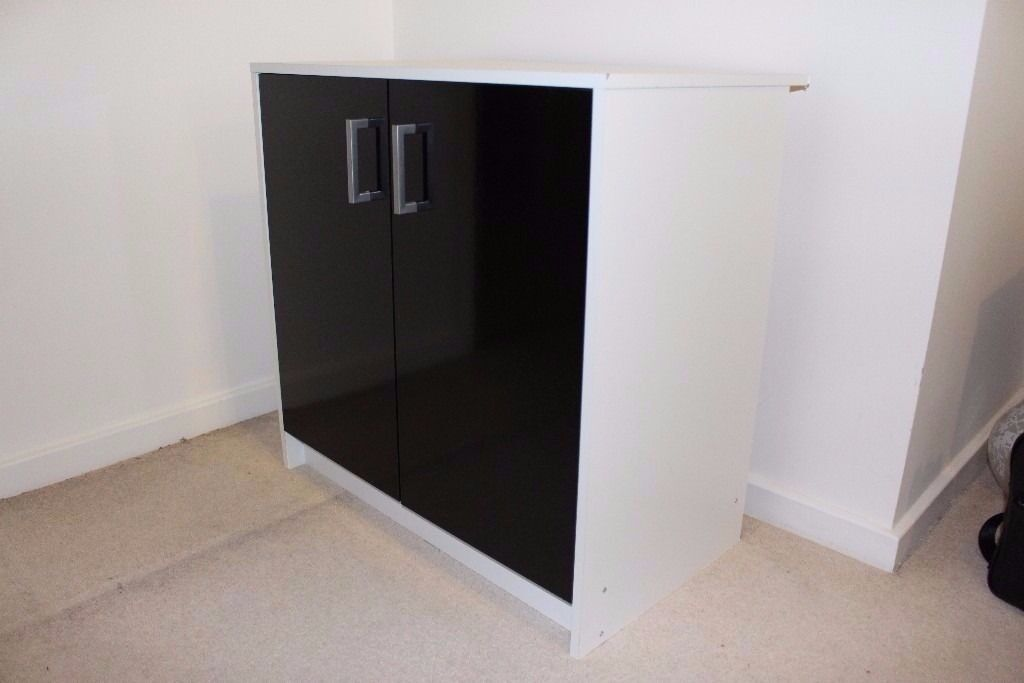 Black and White Glossy Cupboard