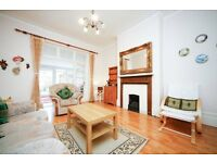 2 bed, 2 bath, 2 receptions Garden flat within catchment of outstanding school: NO AGENCY FEES