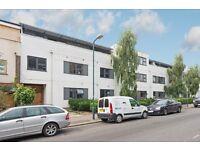 MODERN TWO bedroom TWO bathroom flat in Kensal Rise, NW10 £380 PER WEEK