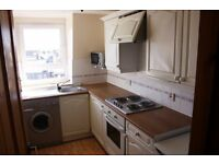 Montrose, Angus, DD10 8AZ. 1 Bed Flat, Double Glazed & Electric Heat, Shared Garden £325 pcm