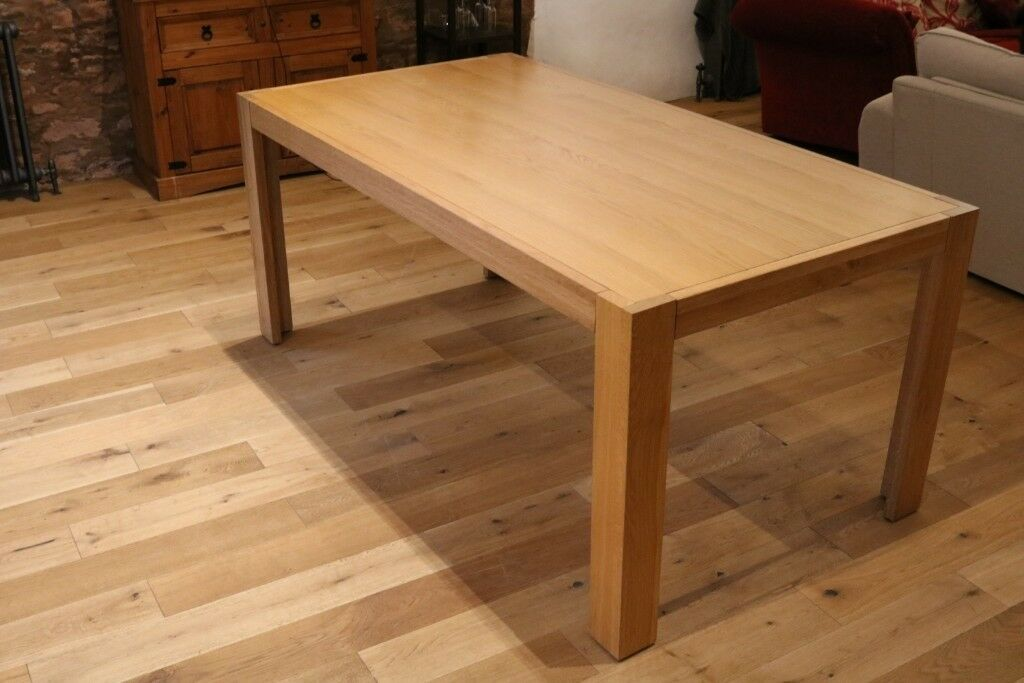 Solid Oak Dining Table Great Condition Removable Legs