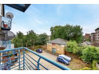SPACIOUS ONE BEDROOM APARTMENT - PRIVATE BALCONY-SHORT WALK TO FINSBURY PARK & MANOR HOUSE STATIONS