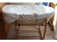 Mamas And Papas Classic Basket With Stand And Mattress