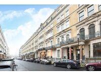 Bright and spacious 3 bed apartment on De Vere Gardens, Kensington