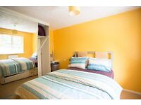 Double room in modern, 3 bed professional share. £375 all bills inc. No fees.