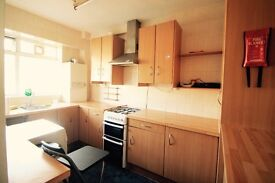 CAMDEN TOWN// ECONOMIC TWIN ROOM //just 200 pw