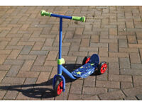 Childrens tri scooter