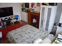 Large double room in Tooting Bec. Available 30/10