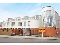 Modern and Spacious 1 Bedroom Apartment in Hanwell