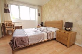 BRIGHT AND SPACIOUS FLAT 3 MINUTES IN WHITECHAPEL STATION- RENT INCLUDING HEATING AND WATER RATE