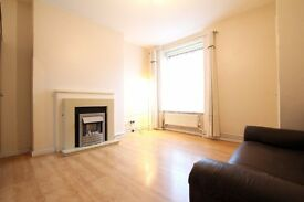 REFURBISHED 3 DOUBLE BEDROOM FLAT JUST 1 MIN FROM POPLAR DLR STATION