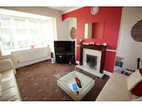 End Terrace House - Large Property, Sought After Area - Adelphi Road, Marsh, HD3