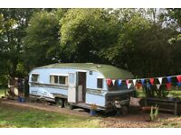 GYPSY CARAVAN GLAMPING IN EAST SUSSEX. Delightful location in beautiful countryside, pet friendly.