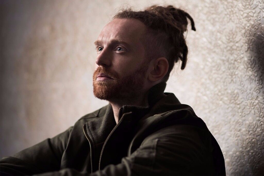 NEWTON FAULKNER - DOWNSTAIRS STANDING - ULU LIVE AT STUDENT CENTRAL - FRI 24/11!