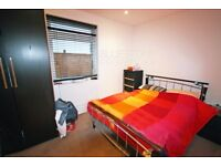 Ground floor-1 DOUBLE BED-Private Garden-Open plan kitchen/reception- High Standard-Available 01/12