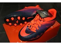 Brand New Nike Jr Hypervenom Phelon 2 size 2 football boots