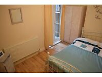 Double room in Tooting Broadway. Available from 01.04