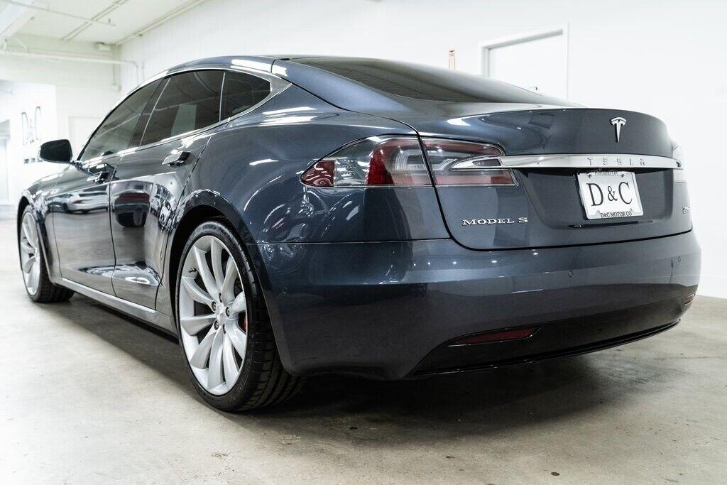 2016 TeslaModel SP90D