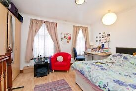 Perfect studio to rent in Camden/Kentish Town! Large space, rent inc water rates! £260 pw!