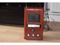 PYE WOODEN RADIO FM/LW/MW/WITH RADIO ANTENNA CAN BE SEEN WORKING
