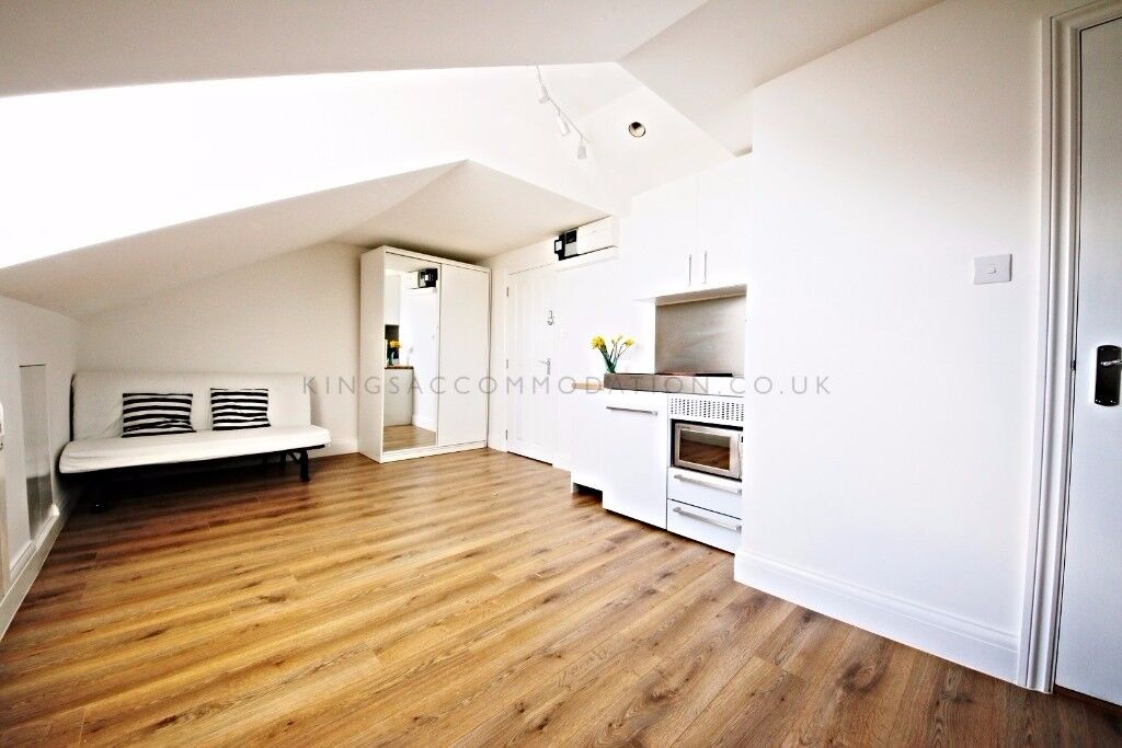 studio flats located just 5 minutes walk from Brixton station Zone 2. *** Bills included