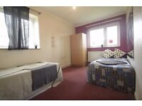 CHEAP TWIN ROOM IN ARSENAL ALL BILLS INC !! 155h