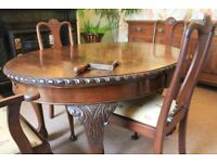 Attractive Mahogany Dining Table & Chairs