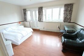 Exceptional DOUBLE ROOM AVAILABLE NOW!
