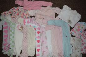 Huge over 90 items girl 0-3 months bundle. Cheap!