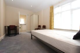 HH2-Newly Renovated Quiet STUDIO FLAT (1st Floor) with Seperate Kitchen & Shower-Room-Belsize Pk NW3