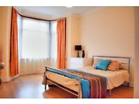 Stunning Double Bedroom for Rent - Minutes walk from Seven Kings Station (All Bills Included!)