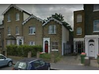 Beautiful 2 bed house in Beckton E6, Close to Asda, Part Dss Accepted!!