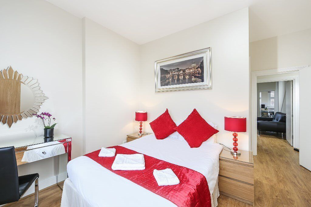 PRICE REDUCTION !!!! MODERN TWO BEDROOM FLAT IN EARLS COURT !!! CALL NOW FOR VIEWING !!