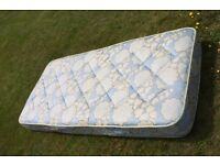 Single Mattress - clean and mint condition